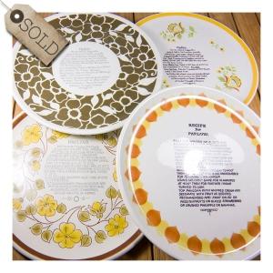 Retro pavlova plates