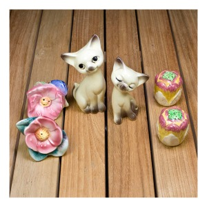 kitschy salt & pepper shakers
