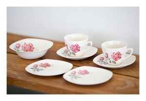 Midwinter 'Vintage Rose' tea set