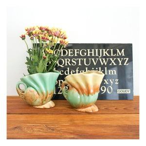 Diana vases