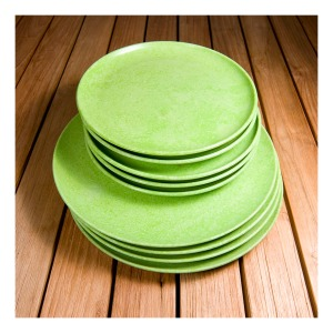 Bartone bakelite picnic plates