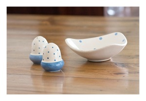 50s blue and white spotty pottery