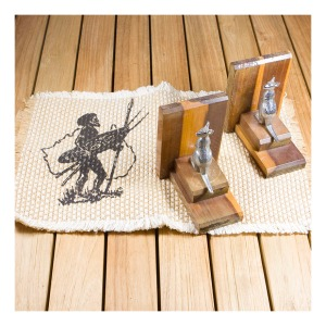 Kangaroo bookends & Aboriginal motif placemats