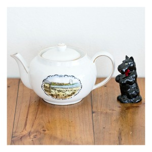30s Bondi Beach teapot