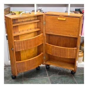 Sewing caddy, 1940s, shown open