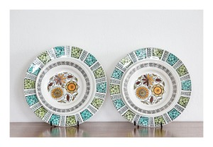 Kathie Winkle 'Calypso' & 'Corinth' plates