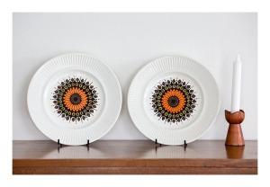 Johnson Bros [Aust] dinner plates, 1975