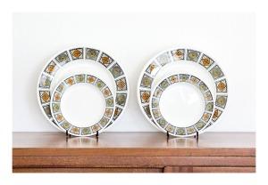 Kathie Winkle 'Michelle' dinner & side plates, 1968